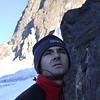 Hans-Christian sucht den Einstieg zum ersten Pfeiler am Cerro Morado (8.Februar 2006)