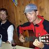Wer als Lehrfach Gitarre hat, der muss auch auf den Hütten üben (10.September 2004)