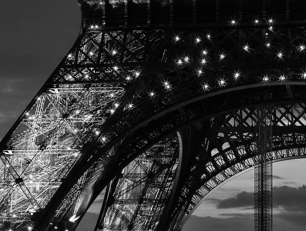 Eiffel Flashes