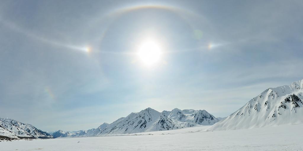 Atmospheric optics over the Black Rapids Glacier