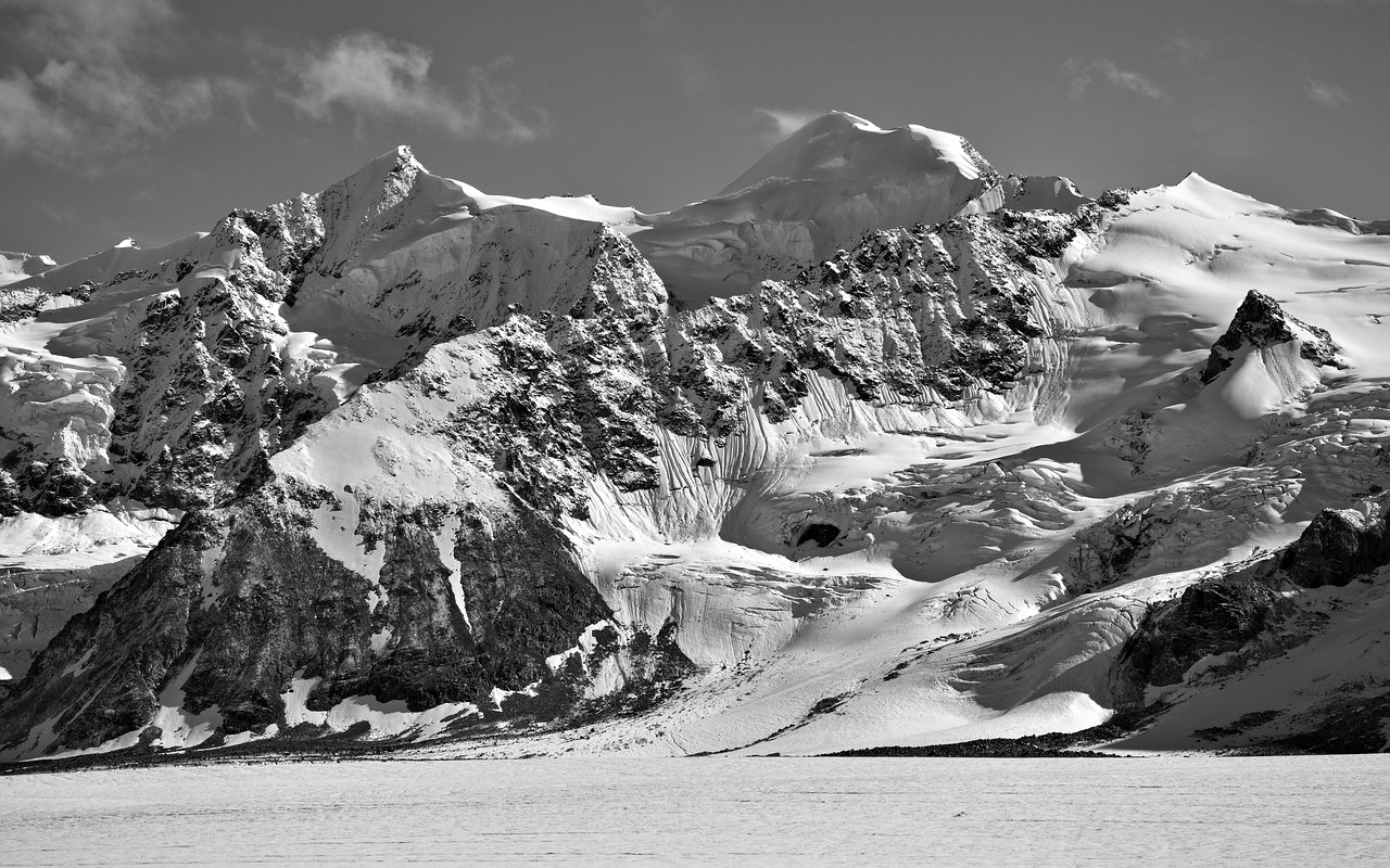 Meteor Peak over the Black Rapids Glacier in the Alaska Range