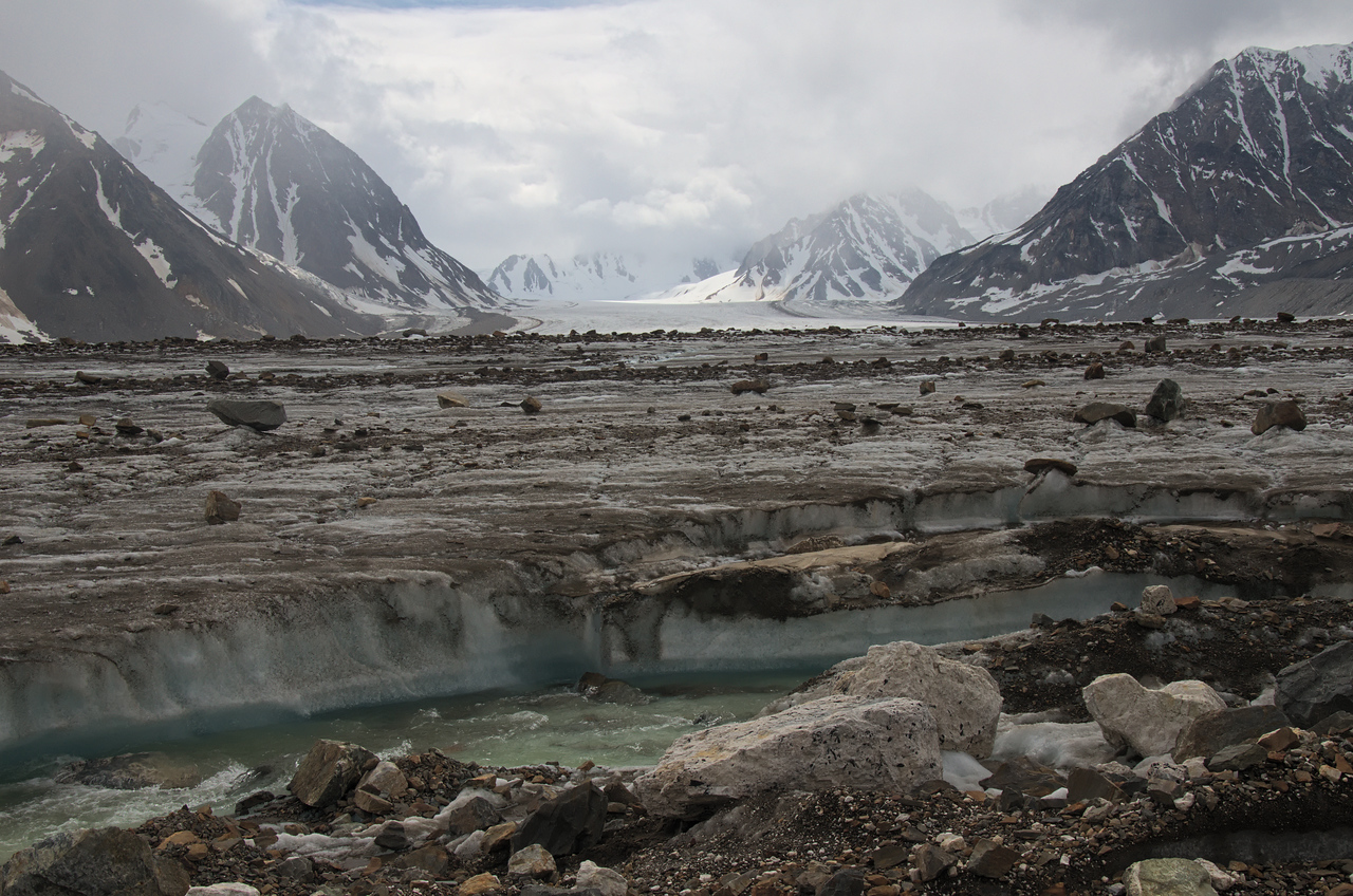 Looking across the Black Rapids Glacier
