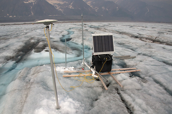 The continuous GPS station on the Loket tributary.