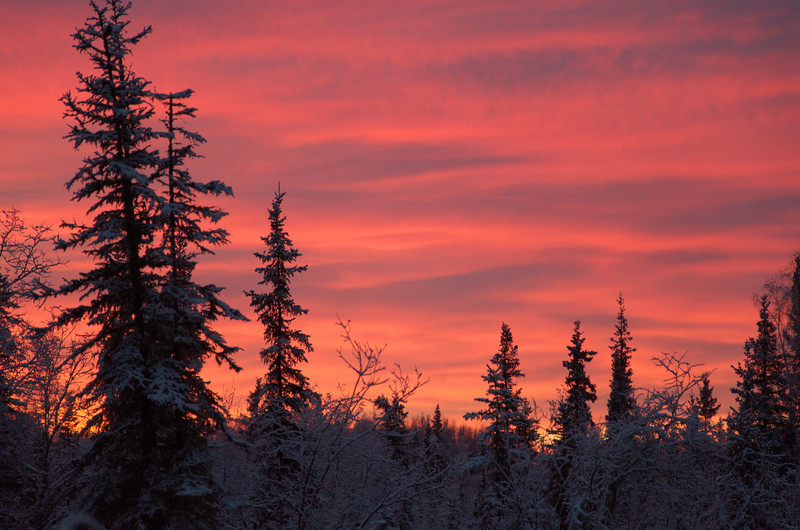The Sun rises and sets at a shallow angle for most of the year in the far north. This leads to some pretty spectacular sunrises and sunsets that can last for hours.