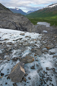 Looking down the Worthington Glacier in the Chugach Mountains along the edge of a lateral moraine. It's a little bit pretty here.