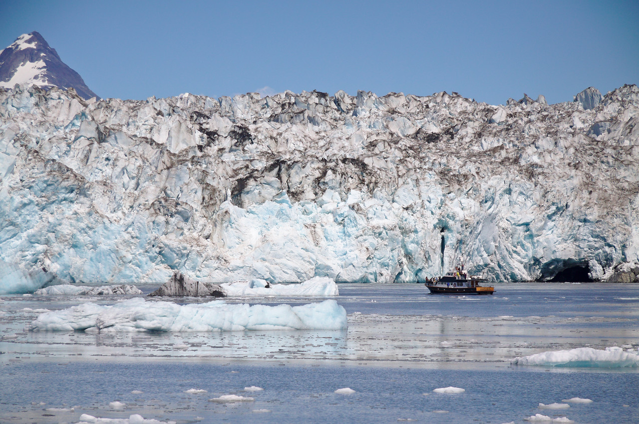 Lu-Lu Belle tour boat at the face of the Columbia Glacier
