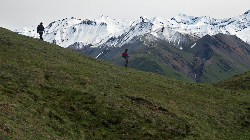 Descending the Thoro Ridge