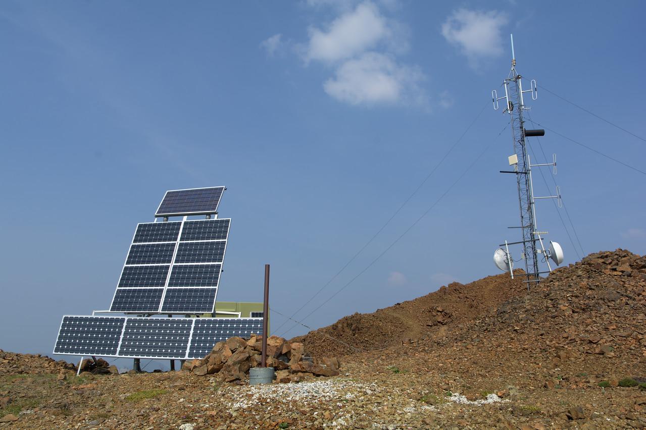 Solar panels and radio transmitter on the Mt. Thoro summit