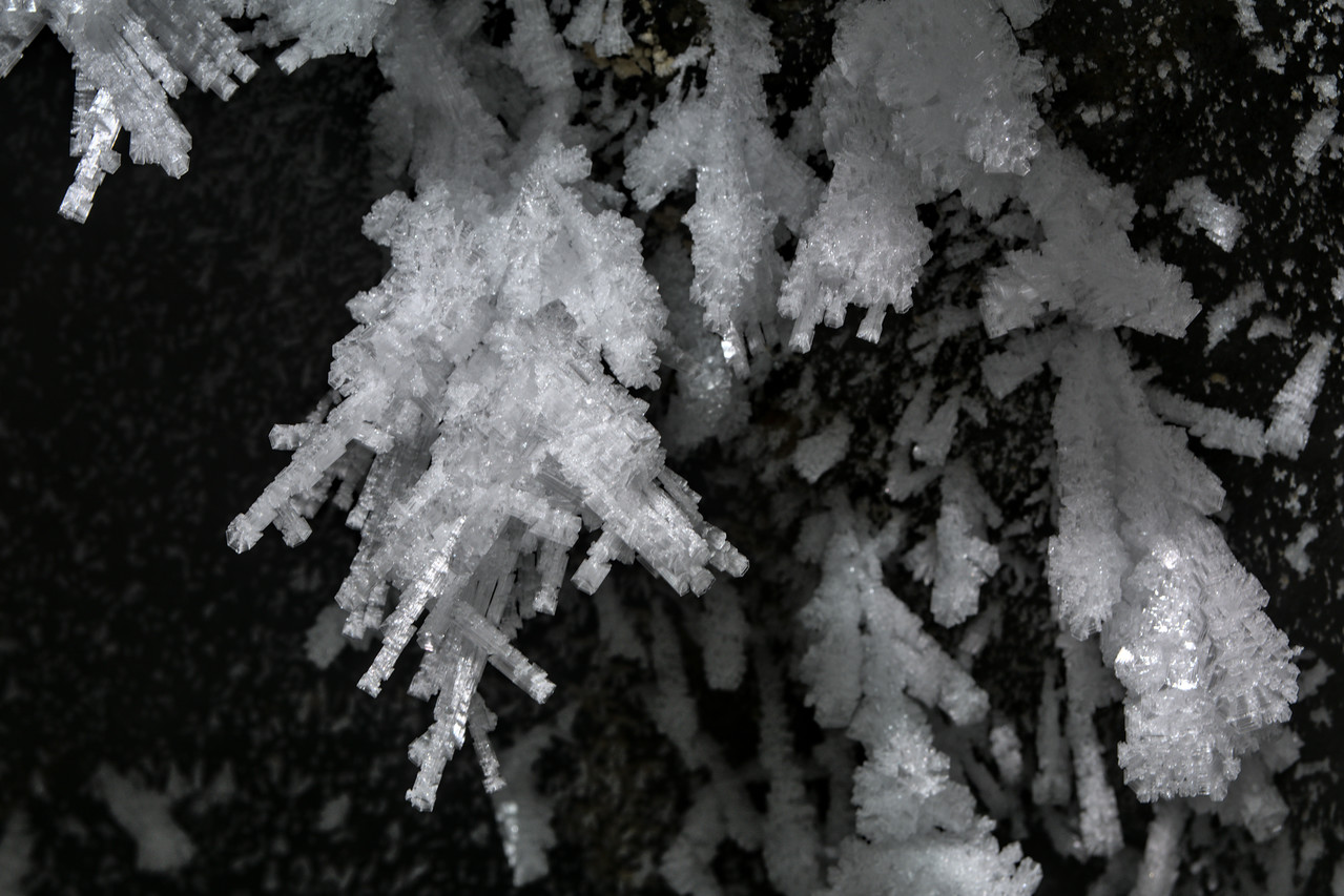 Skeletal ice crystals on the ceiling of a glacier cave - in a Röthlisberger channel