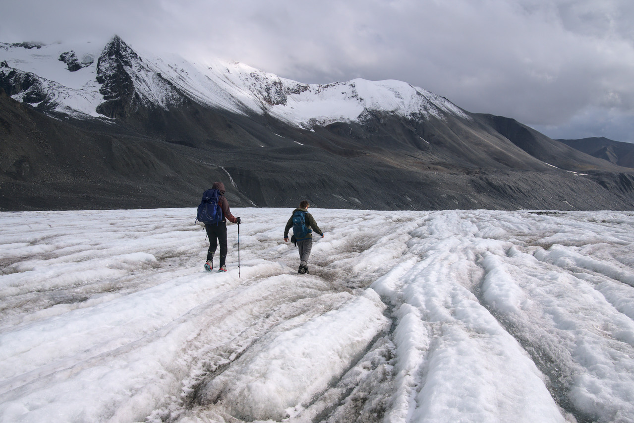 Hikers on the Gulkana Glacier