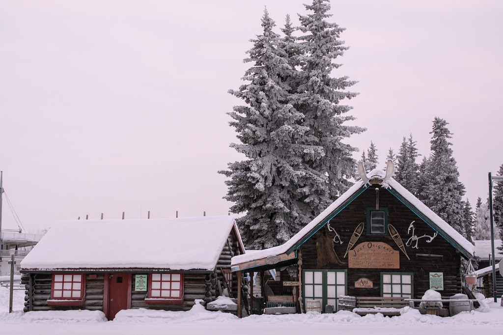 cabins and frosty tres
