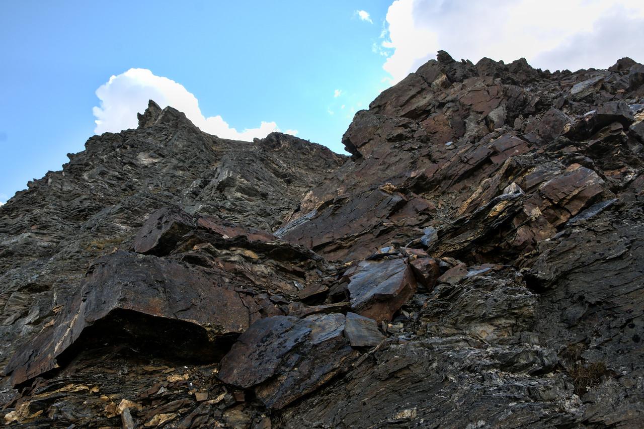Rocky landscape on the last push to the ridge