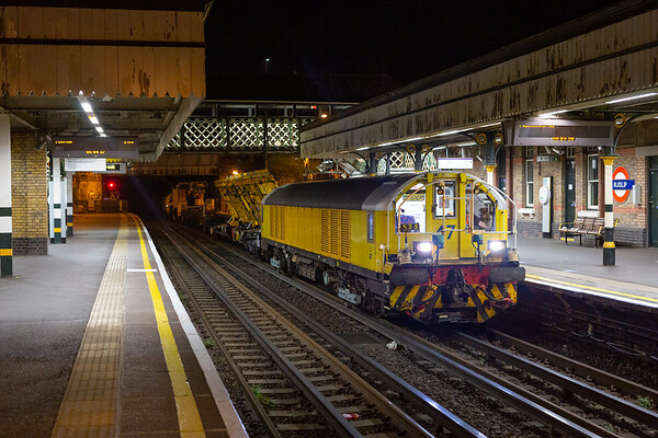 LU L29 + L47 are seen with 'new' Kirow crane and slant wagon carrying out gauging testing on Train 635 Ruislip Depot - Northfields No. 7 Siding, limited to 10mph max in the early hours of 14-08-21. The train is seen passing Ruislip