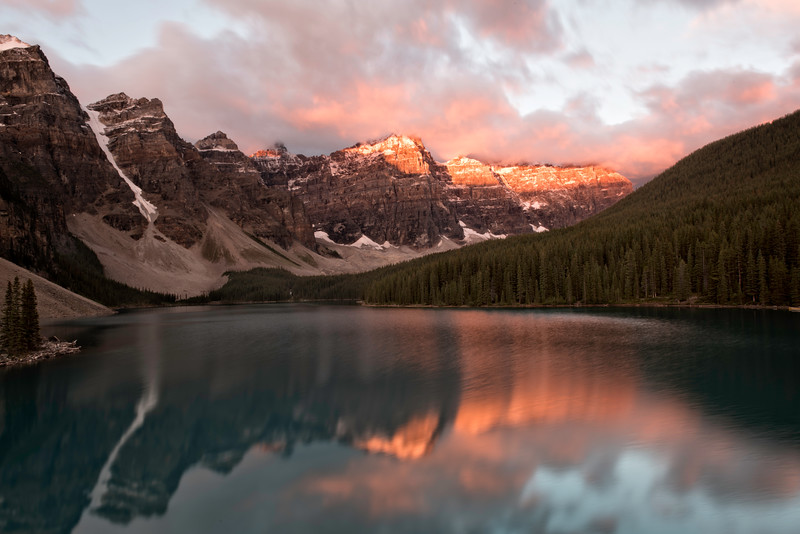 Sunrise at Lake Moraine