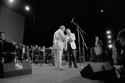 DIZZY GILLESPIE receives Bird Award from MIKE HENNESSEY