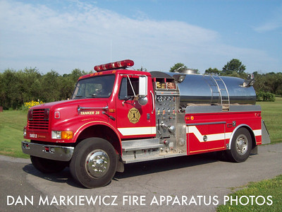 PILLOW FIRE CO. TANKER 28 1991 INTERNATIONAL/4GUYS TANKER