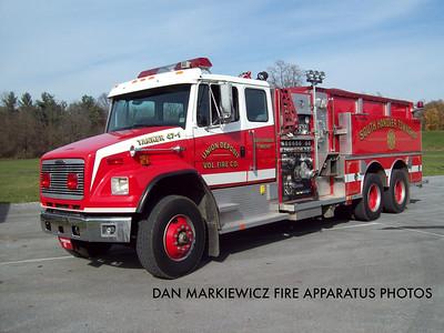 UNION DEPOSIT FIRE CO. TANKER 47-1 1998 FREIGHTLINER/CENTRAL STATES TANKER
