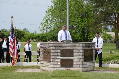 Bethalto Mayor Alan Winslow speaks at Memorial Day Service. 2013 05 27 54 Memorial Day