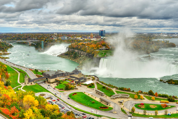 Niagara Falls in HDR - Cover