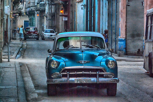 Cuban Car nd people on the street