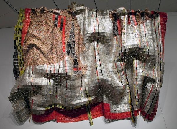 Embrace! El Anatsui, conservation and installation process and gallery photos