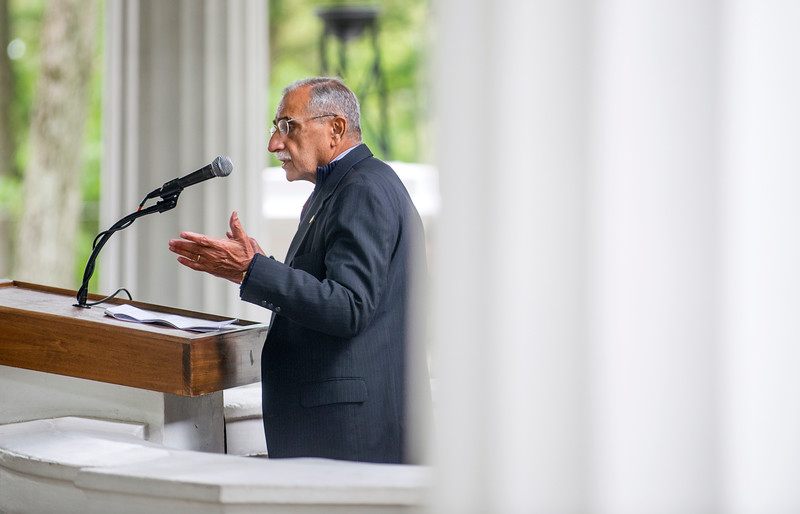 Rohinton Rivetna delivers his interfaith lecture on Zoroastrianism and the origins of monotheism Tuesday, June 27, 2017 in the Hall of Philosophy. DAVE MUNCH/PHOTO EDITOR