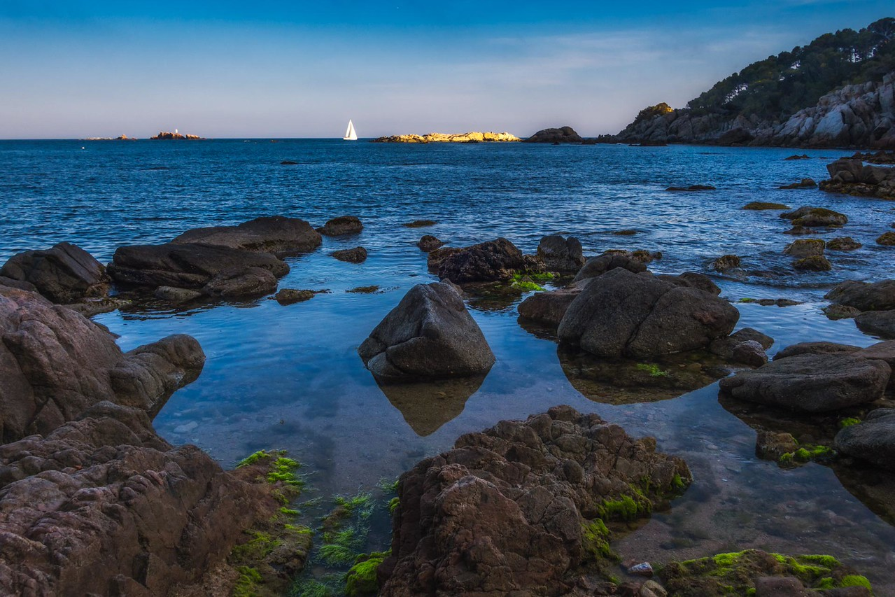 Hidden coves on the coast of Costa Brava