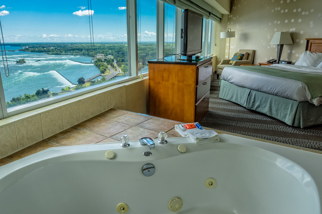 Nothing says romantic Niagara Falls like a room with a view!