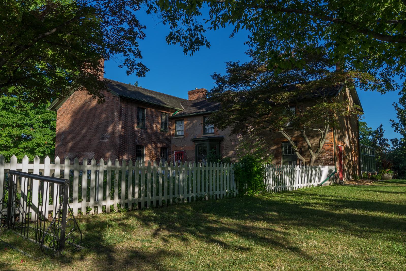 Niagara Falls Road Trip stop #3: McFarland House