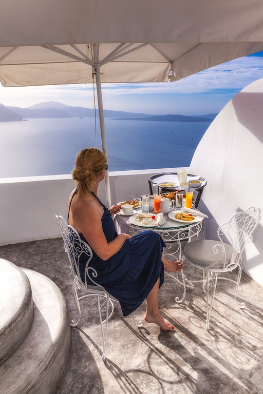 Breakfast with a view in Oia, Santorini