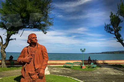 Columbus on the Malecón Baracoa.ARW