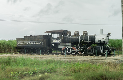Old steam engine near Bayamo