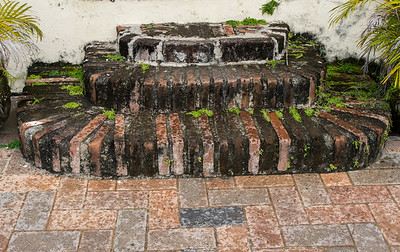 brick steps plaza del carmen.ARW