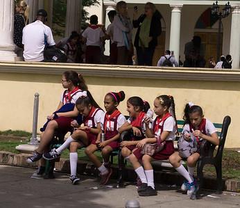 Schoolgirls Holguin.ARW