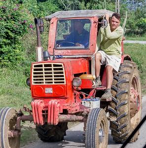 Tractor Holguin.ARW