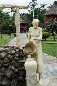 Villa la Granjita statue.ARW