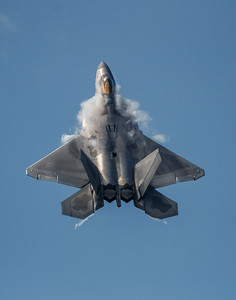 F-22 Raptor Climb with Vapor