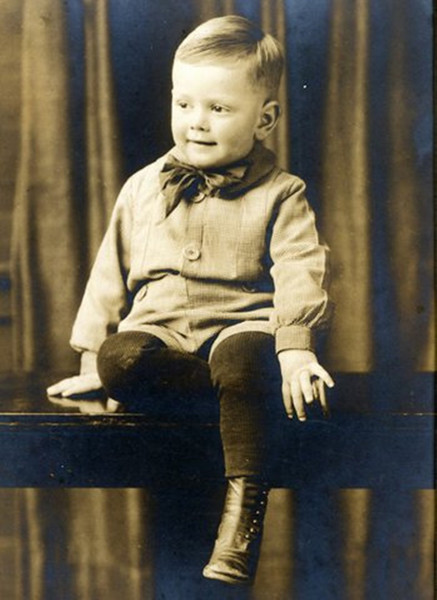 Photo thought to be Boyd Ferris (1919-1999) - circa 1923