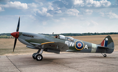 Supermarine Spitfire T.IX PT462 Taxiing out at Duxford Flying Legends Airshow 2018 By David Stoddart
