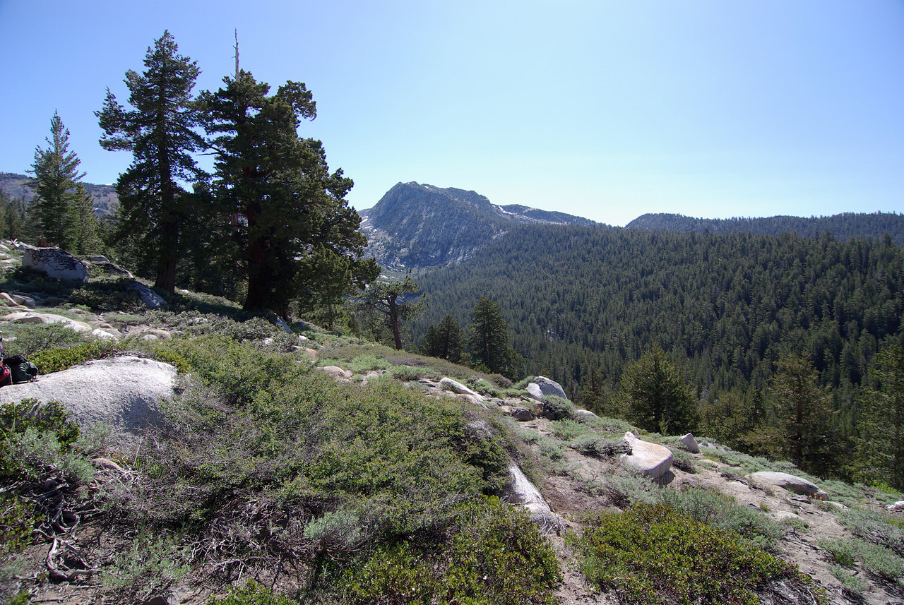 Heading towards Arch Rock Pass along the Arch Rock Trail around 9,100ft.