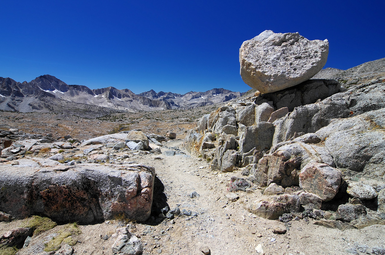 Signs of Glacier Erratic are all throughout the Dusy Basin.