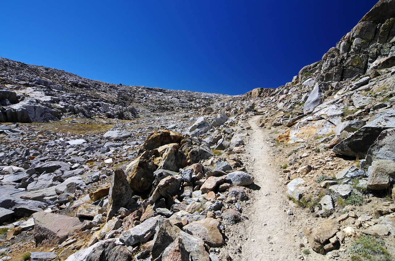 The last stretch of trail to the pass.