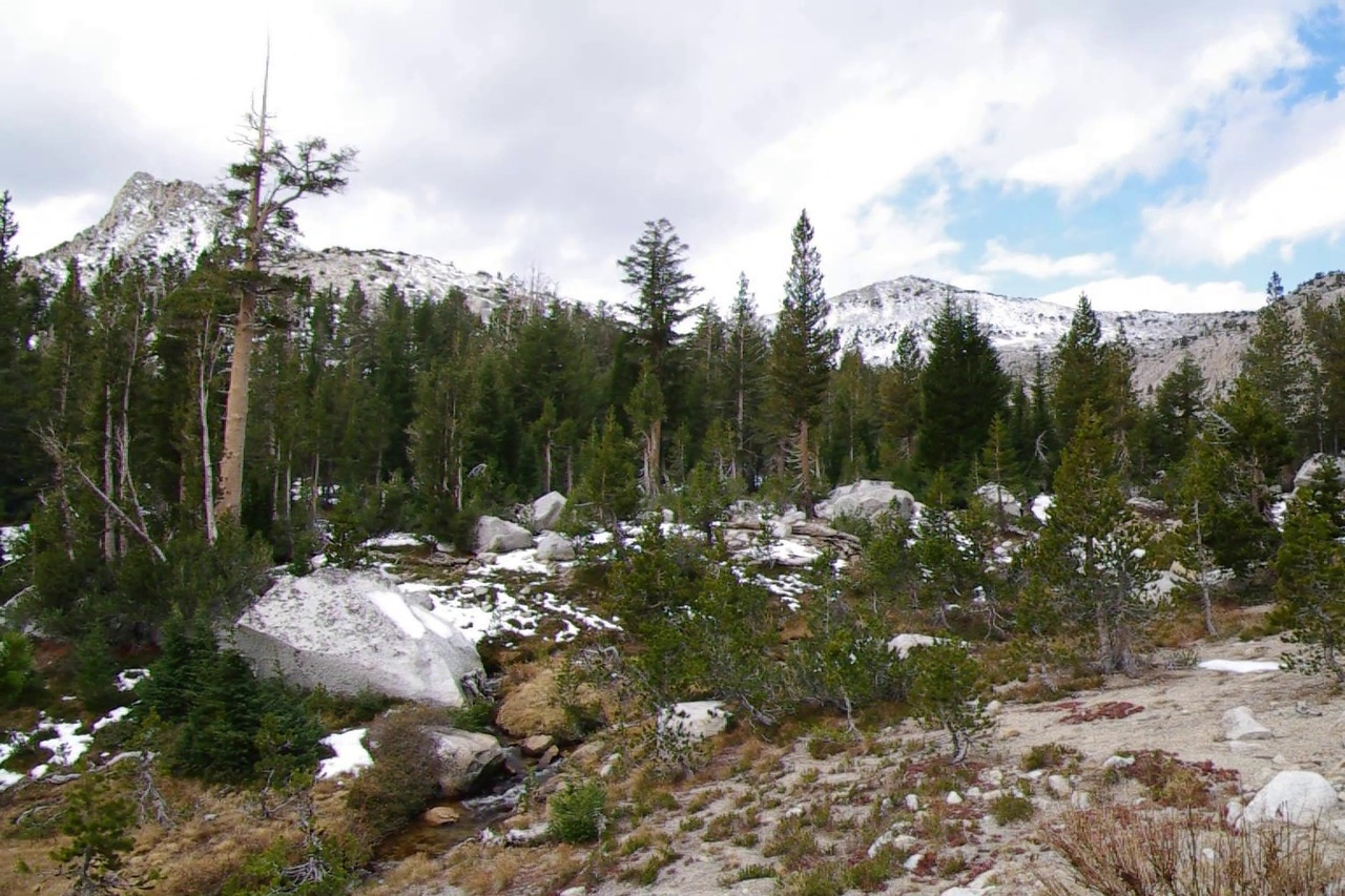 Video of area above Devils Bathtub Lake, about 9,850ft