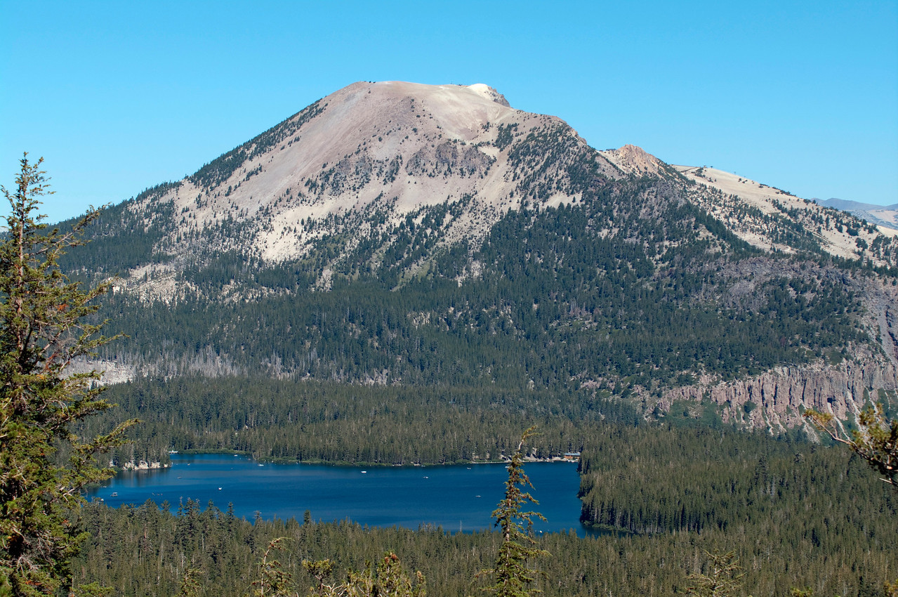 A close-up of Lake Mary and Mammoth Mountain as seen from about 9,500 ft just off of the Duck Pass Trail