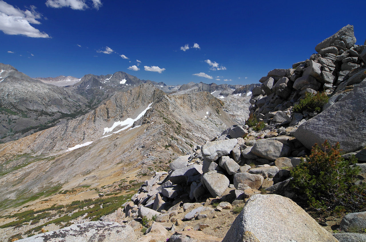 I near where I will start to get some nice views overlooking the Red Mtn Basin, around 11,800ft as seen here.
