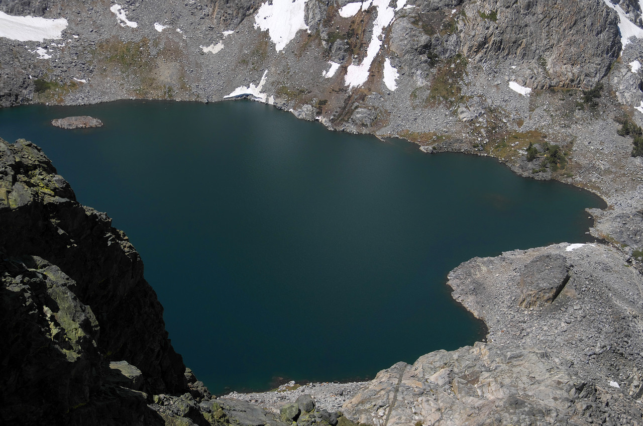 My 2nd-lowest handle view atop of Volcanic Ridge is around 11,200ft.  Cecil Lake as seen down below from my vantage point, sits at 10,243ft.