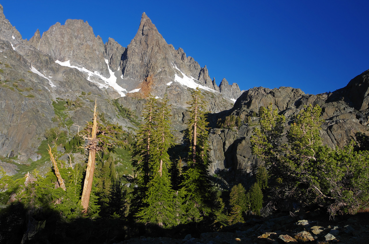 The Clyde Minaret stands-out above Minaret Lake.