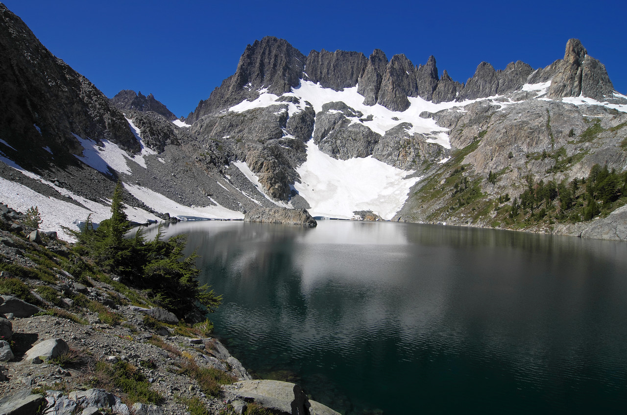 The Mammoth Minarets reaching high above Iceberg Lake are a very eye-catching feature of the Lake along this cross-country route in either direction.