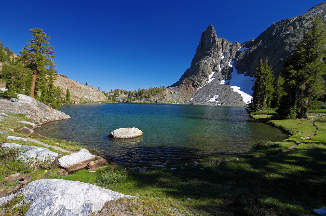 The NE end of Minaret Lake.