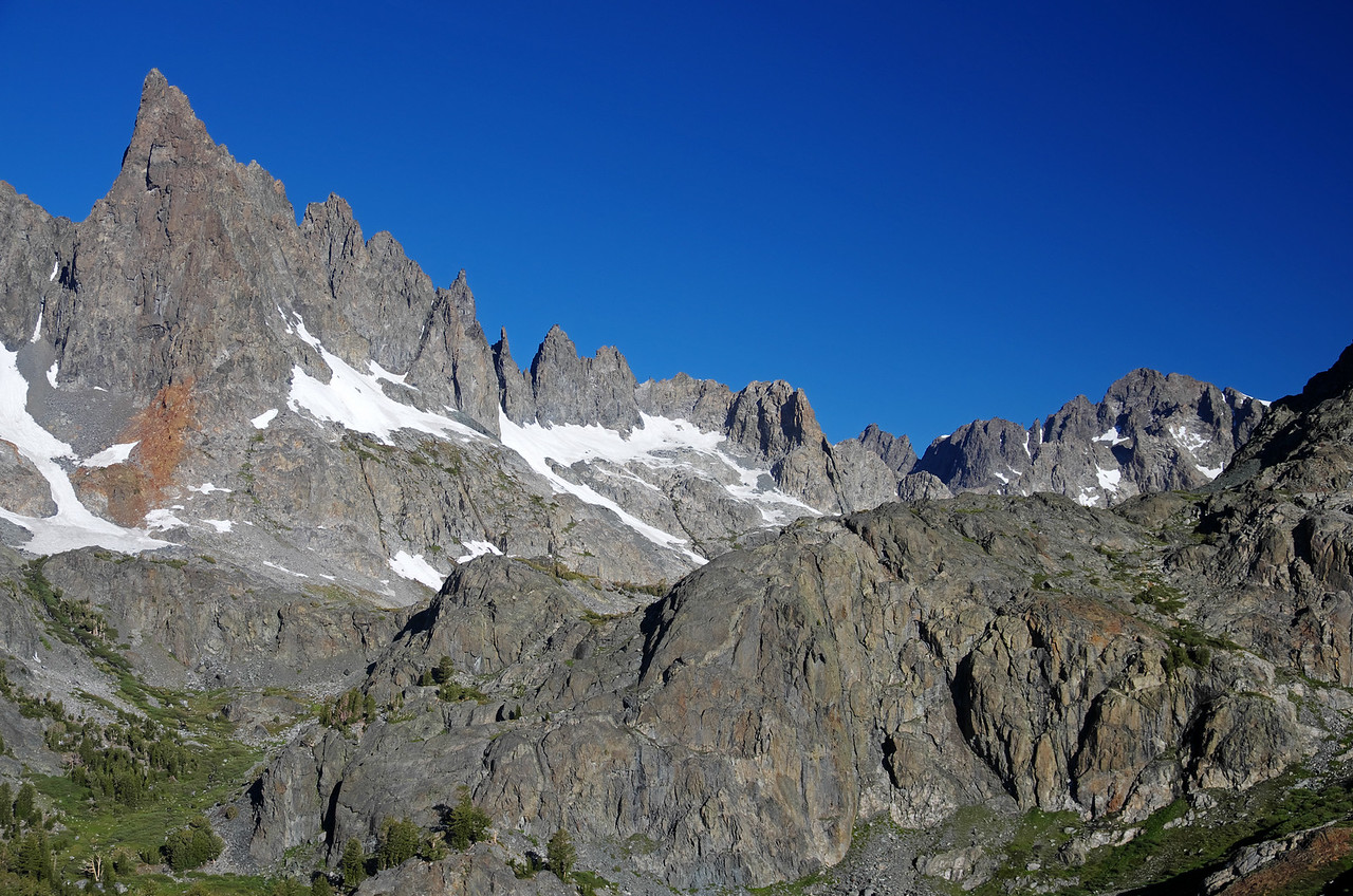 The Mammoth Minarets and the SW foot of Volcanic Ridge.